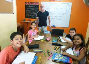 Inglés para niños, con clases dinámicas y conversacionales con profesores nativos hablantes de inglés