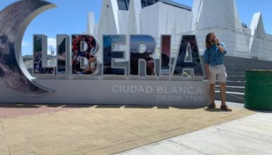 Explore Liberia in our walking tour for Spanish students